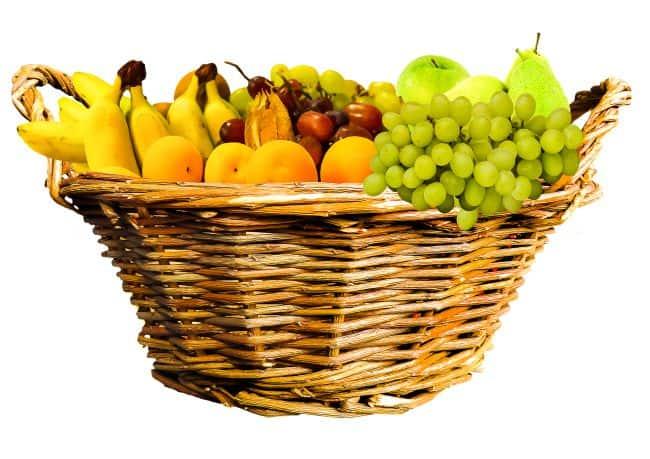 Ceny warzyw i owoców na placu handlowym
